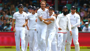 DURBAN, SOUTH AFRICA - DECEMBER 27: Stuart Broad and James Taylor celebrate the wicket of Stiaan van Zyl during the day 2 of the 1st test match between South Africa and England at Sahara Stadium Kingsmead on December 27, 2015 in Durban, South Africa. (Photo by Anesh Debiky/Gallo Images/Getty Images)